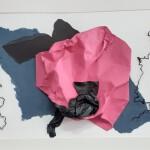 Apercevoir l'au delà - collage, pliage papier soie , ficelle -50 x 70 - 2021